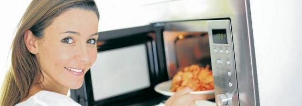 Τρικ για ζέσταμα φαγητού σε μικροκύματα
