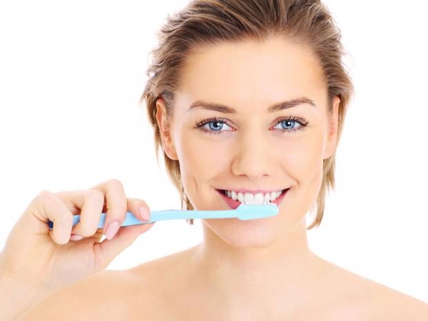 το βούρτσισμα των δοντιών αδυνατίζει
