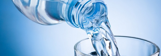 Με ποιον τρόπο να πίνουμε το νερό