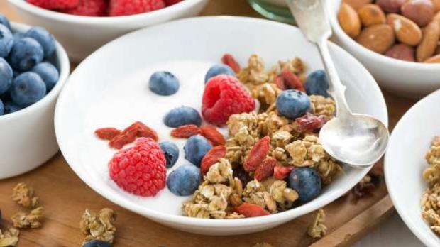 ένα σωστό πρωινό θα βοηθήσει στη ρύθμιση της επιθυμίας για γλυκό