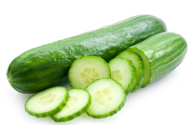 τα λαχανικά που είναι πλούσια σε νερό βοηθούν στην απώλεια βάρους