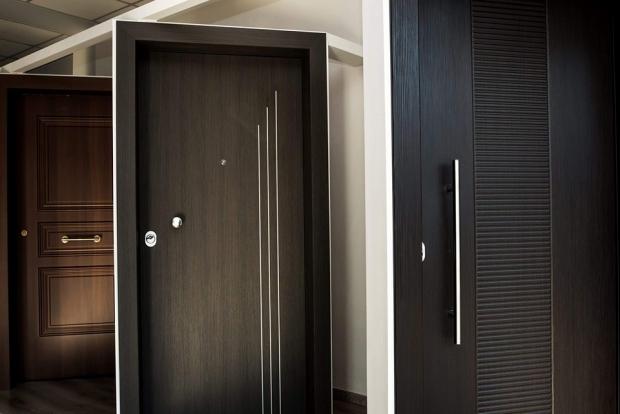 επενδύστε σε μια καλή θωρακισμένη πόρτα για την ασφάλεια σας