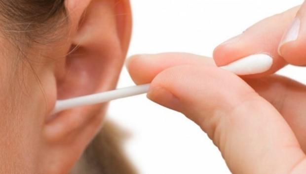 μην χρησιμοποιήσετε επ ουδενί λόγο μπατονέτες για τον καθαρισμό των αυτιών σας