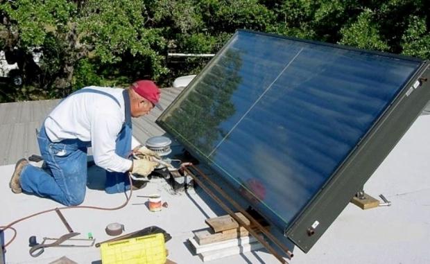 κάθε τρία με τέσσερα χρόνια θα φωνάζετε τον τεχνικό για τη συντήρηση του ηλιακού θερμοσίφωνα