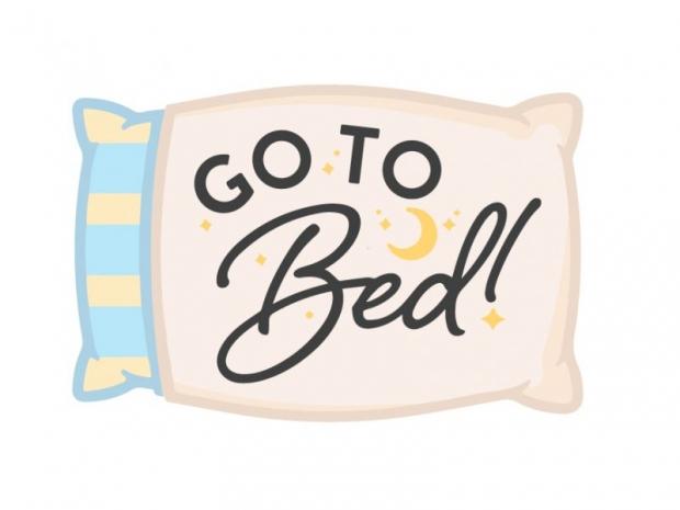 υιοθετήστε ένα πρόγραμμα για τον ύπνο σας και προσπαθήστε να το εντάξετε στην καθημερινή σας ρουτίνα
