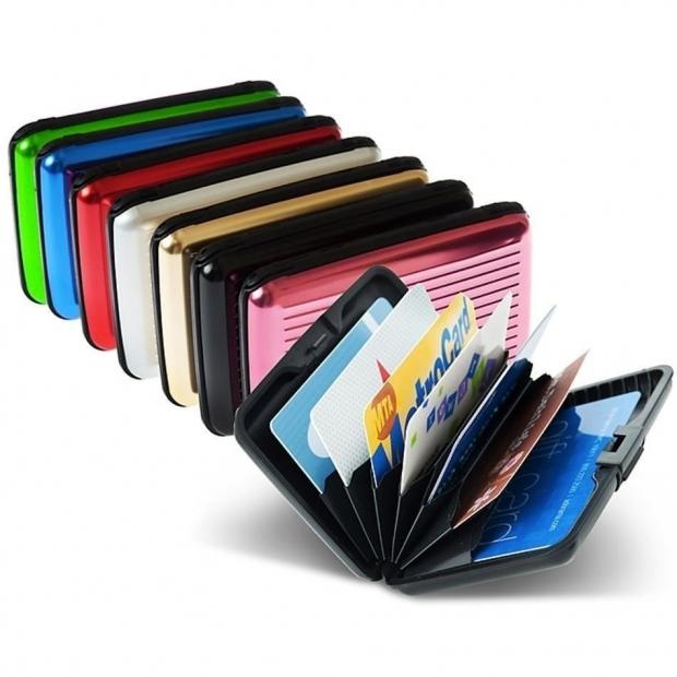 αγοράστε ένα ειδικό πορτοφόλι με προστασία RFID