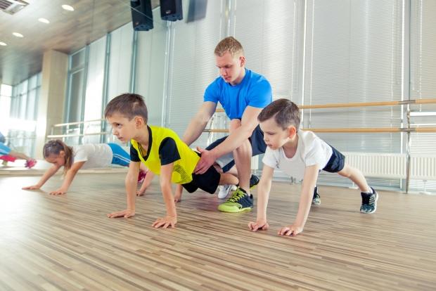 υπάρχουν πολλοί παράγοντες για να βρούμε το κατάλληλο άθλημα για κάθε παιδί