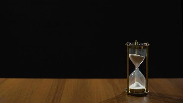 ο χρόνος μας είναι πολύτιμος για να τον ξοδεύουμε σε άσκοπα πράγματα