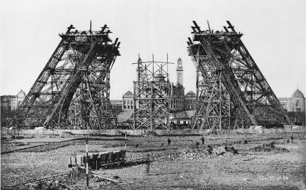 τα στάδια της κατασκευής του πύργου του Eiffel