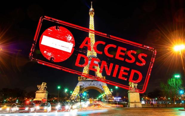 η φωτογράφιση του πύργου του Άιφελ την νύχτα είναι παράνομη!