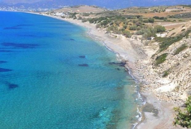 Ο Κομμός είναι για κάποιους η καλύτερη παραλία του κόσμου