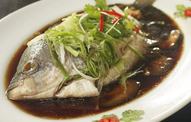 φαγητό και ψάρια