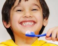 βούρτσιζουμε δόντια