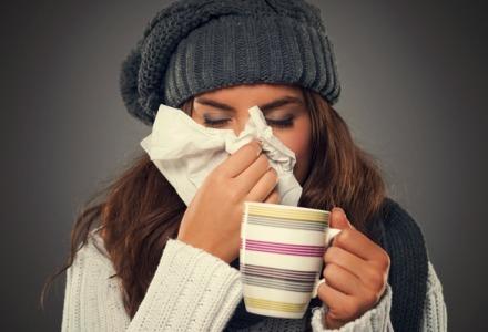 πιείτε υγρά για να αποφύγετε το κρυολόγημα
