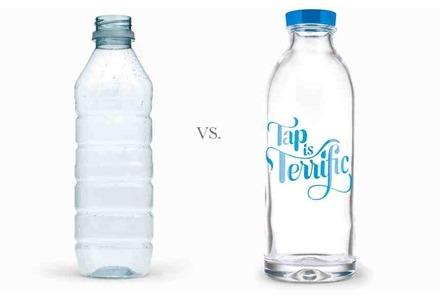 γυαλί πιο βαρύ από πλαστικό