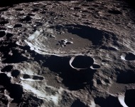 Κρατήρες στην επιφάνεια της Σελήνης