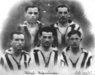 Οι αδελφοί Ανδριανόπουλοι παίκτες της Εθνικής το 1920
