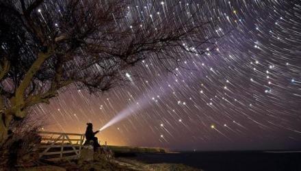εντυπωσιακή βροχή αστεριών
