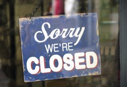στις αργίες τα καταστήματα παραμένουν κλειστά