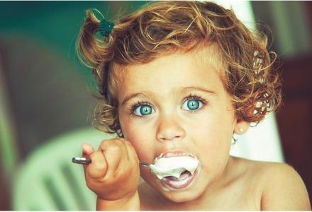 τα μωρά έχουν ανοιχτόχρωμα μάτια