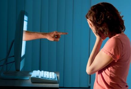 τι είναι διαδικτυακός εκφοβισμός