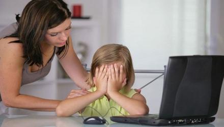 το cyberbullying πλήττει όλες τις ηλικίες