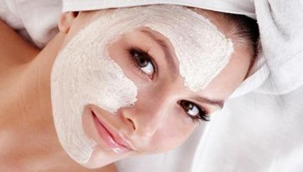 το peeling βοηθάει το δέρμα να μαυρίσει