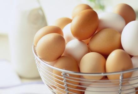 διαφορά άσπρα καφέ αυγά