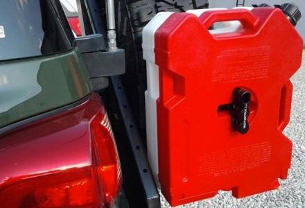 σωστή μεταφορά δοχείου καυσίμων με αυτοκίνητο