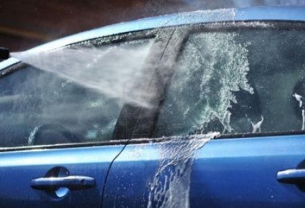 καθαρίστε καλά το αυτοκίνητο πριν τον χειμώνα