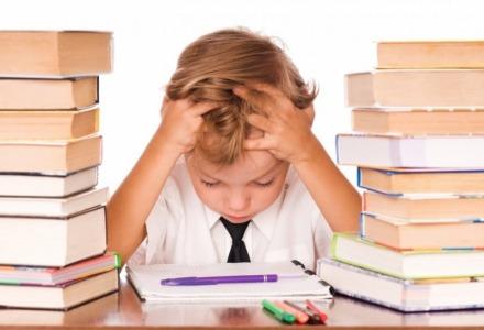 το εκπαιδευτικό σύστημα προάγει τον αναλφαβητισμό