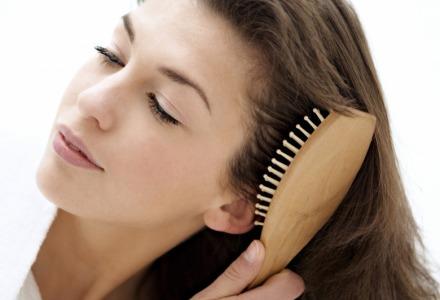 βουρτσίζετε τα μαλλιά σας κάθε βράδυ για να μεγαλώσουν