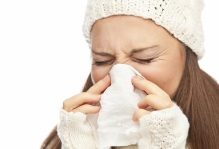 το κρυολόγημα και η γρίπη οφείλονται σε ιούς