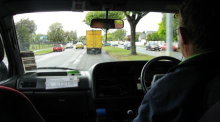 οδήγηση δεξιά