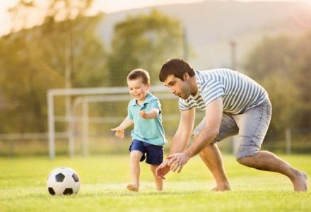 Αφιέρωσε χρόνο σε παιδιά και ηλικιωμένους