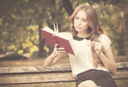 Διάβασε ένα βιβλίο για περισσότερη ευτυχία
