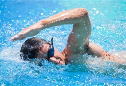 το κολύμπι καλμάρει τα νεύρα