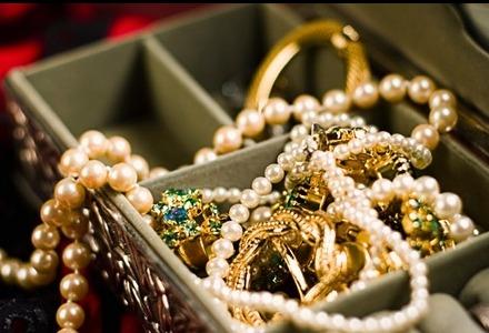 κρύψτε καλά χρήματα και κοσμήματα