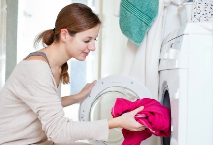 πως να πλύνω σωστά τα ρούχα στο πλυντήριο