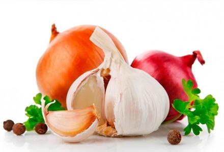 βάλτε σκόρδο και κρεμμύδι στο μποστάνι σας