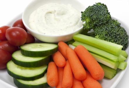 λαχανικά με γιαούρτι ή σος